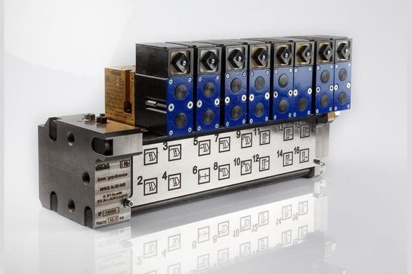 Блок управления электрогидравлический